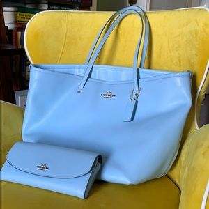 Coach Shoulder Tote with Wallet in Cornflower Blue